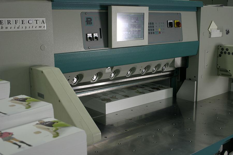 Rezalni stroj